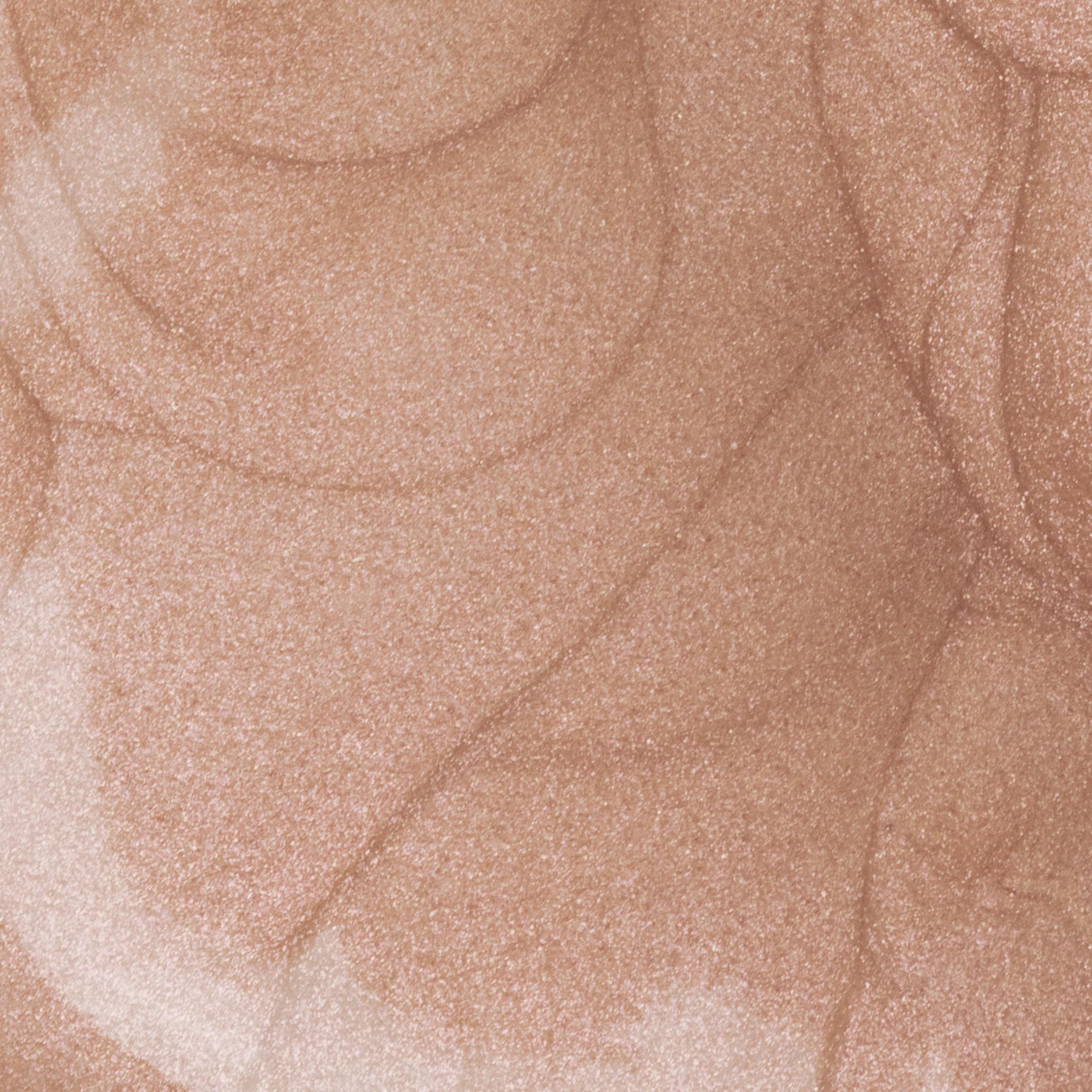 thumbnail Розсвітлюючий тональний крем для обличчя і тіла AMC 69